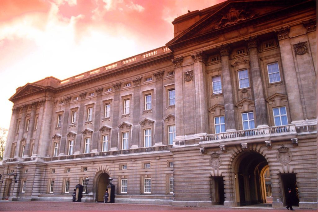 11-rarely-seen-buckingham-palace-editorial-129391a-REX-Shutterstock
