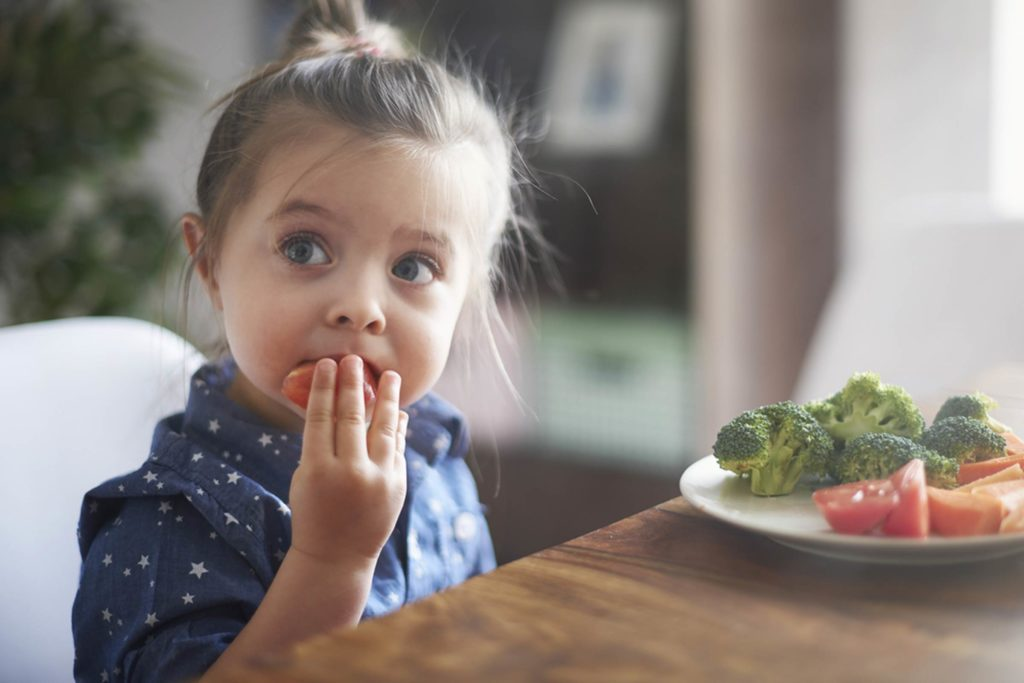 Feeding-Your-Child-This-One-Food-Every-Day-Could-Protect-Them-from-a-Scary-Condition_278908013_gpointstudio