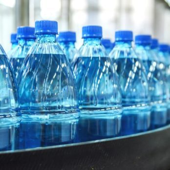 This Is How a Water Bottle Could Save Your Life in a Hurricane