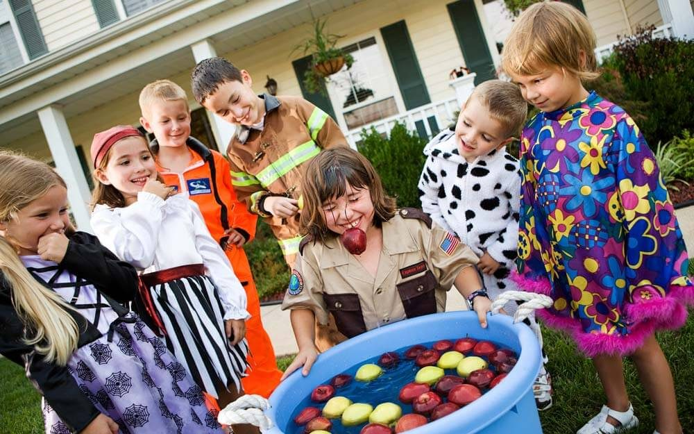 25 Halloween Party Games to Get You in the Spooky Spirit