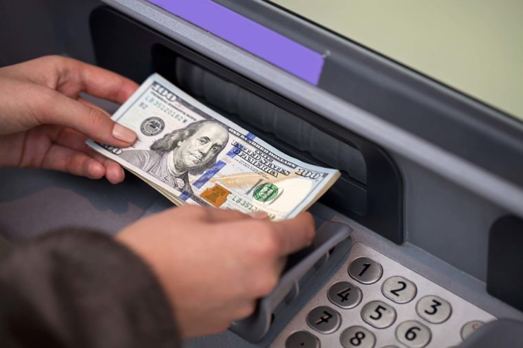 Secrets Your Bank Teller Won't Tell You | Reader's Digest