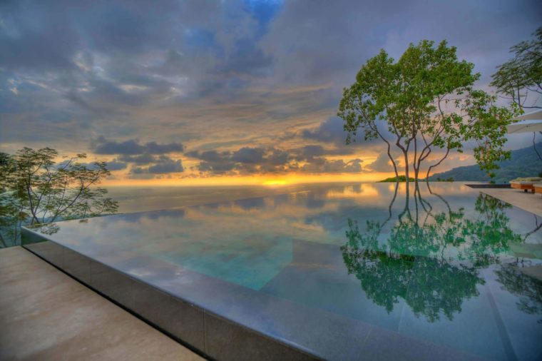 The most beautiful infinity pools in the world reader 39 s for Pool design costa rica