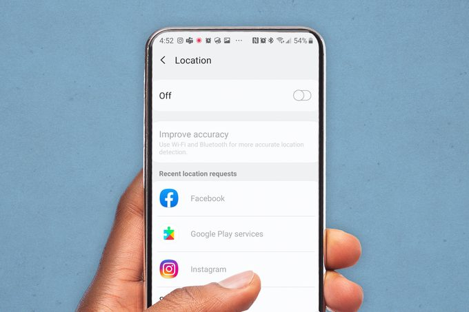 Android phone screen displaying the location settings toggle, an off-on switch