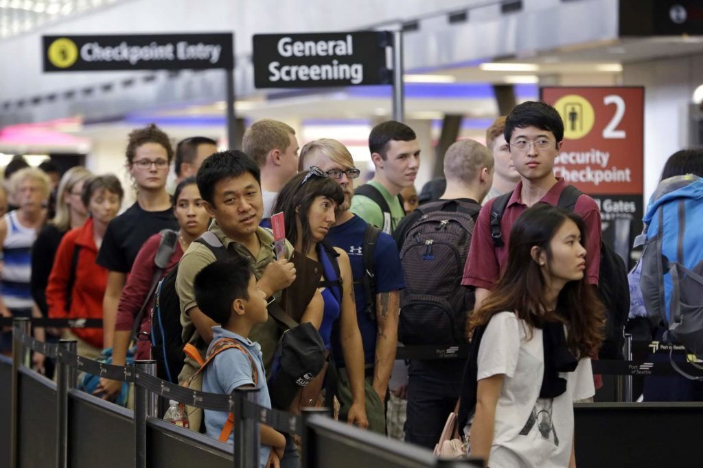 Doing-This-One-Thing-at-Airport-Security-Can-Cut-Your-Wait-Time-in-Half_6089373j_EDITORIAL_Elaine-ThompsonAPREX