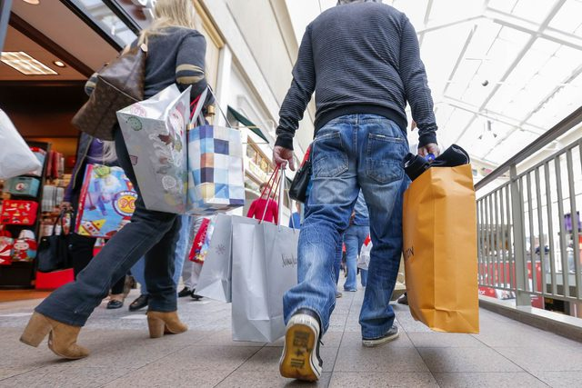 In-Case-You-Were-WonderingWorried,-Thanksgiving-Day-Shopping-Is-No-Longer-a-Thing_8135793h-Erik-S.-LesserEpaREXShutterstock