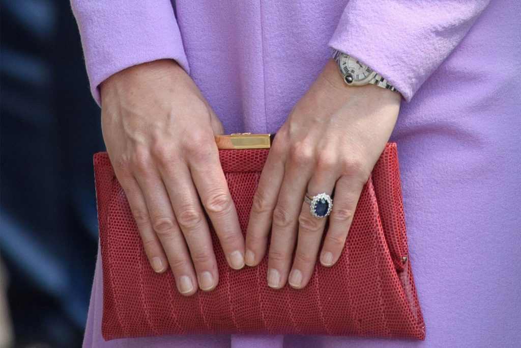 history of kate middletons engagement ring readers digest