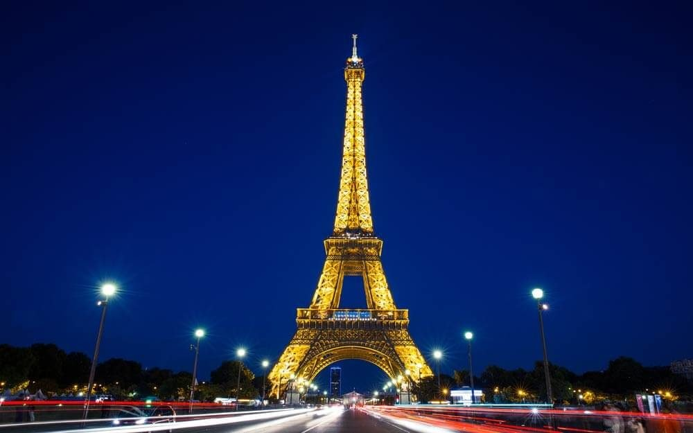 Why It S Illegal To Take Photos Of The Eiffel Tower At Night Reader S Digest