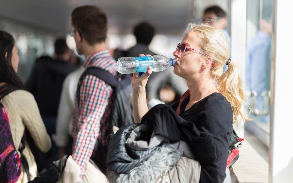 The-Only-Way-You-Can-Bring-Water-Through-Airport-Security_385299841_Matej-Kastelic-ft