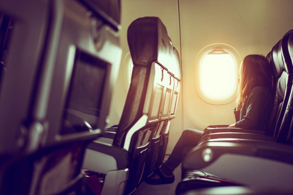 Fabulous What Picking A Window Seat On An Airplane Says About Your Alphanode Cool Chair Designs And Ideas Alphanodeonline