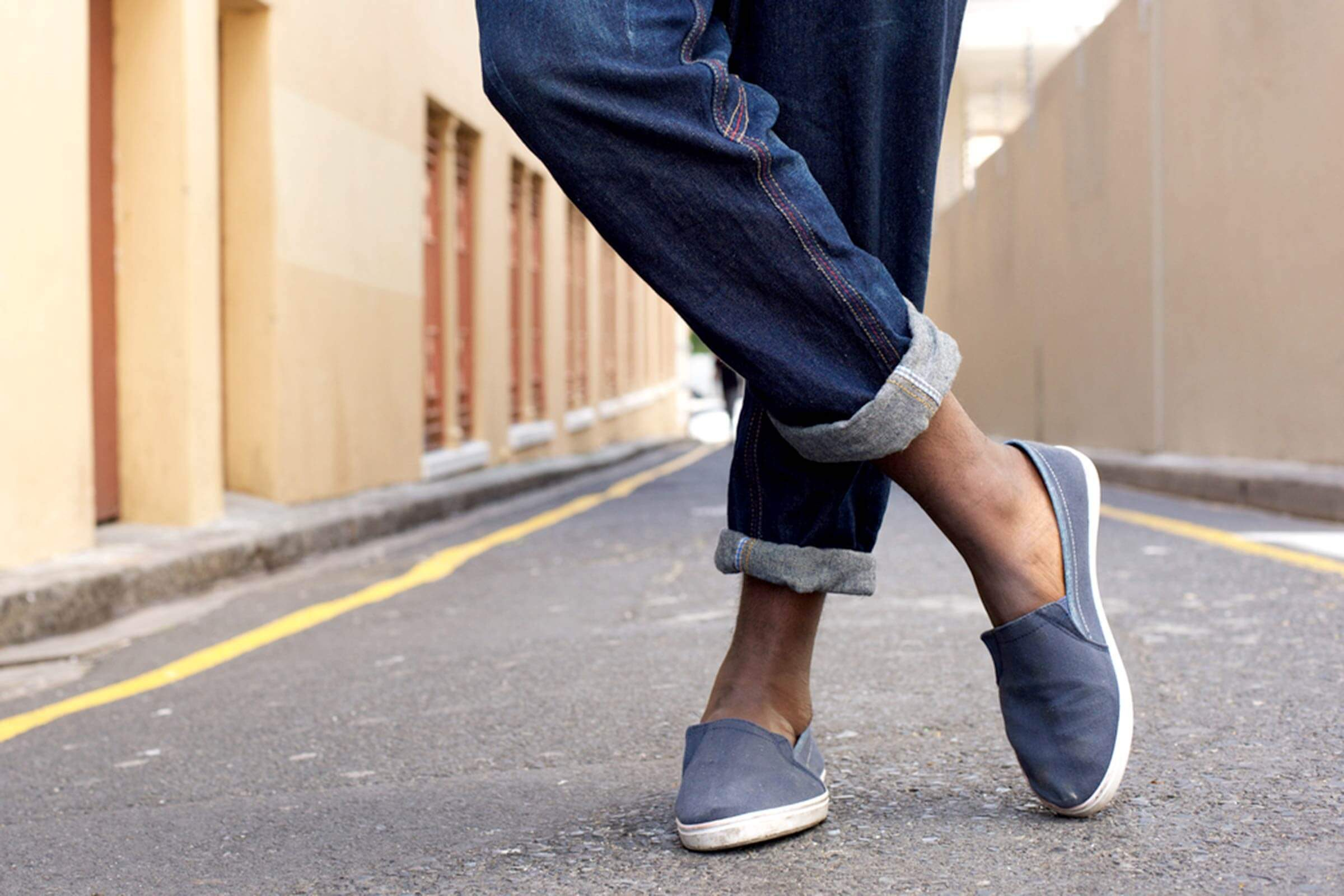 Why You Should Never Wear Shoes Without Socks Reader S