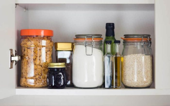 white vinegar use pantry bugs