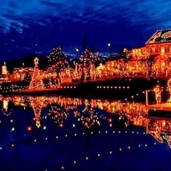 The 20 Best Small Towns for Christmas Lights