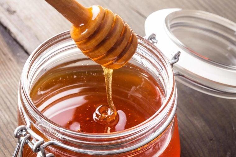 01_Honey_Foods-That-Never-Expire_115307500-Oksana-Shufrych-760x506 - Show Posts - islander