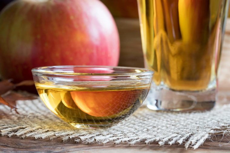 02_Vinegar__Foods-That-Never-Expire_748849060-Madeleine-Steinbach-760x506 - 9 Foods You Won't Have to Ever Worry About Expiring - Health and Food