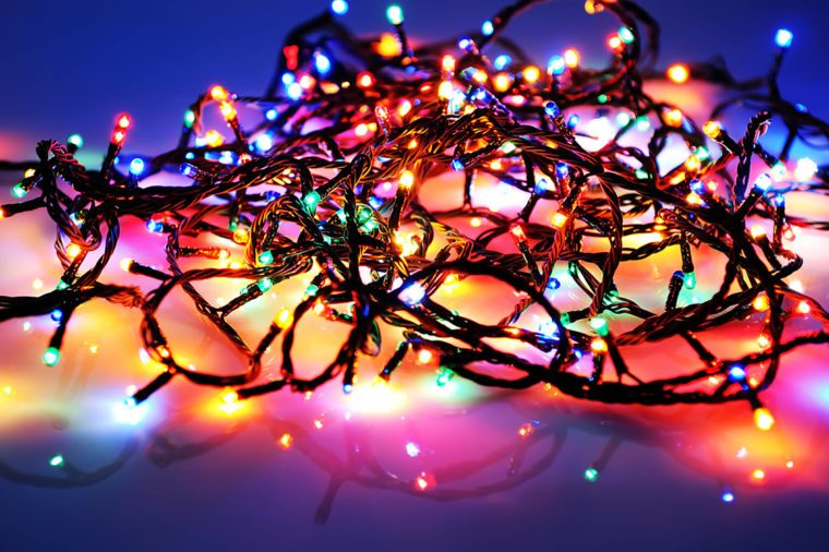 Christmas-lights & Holiday Lighting Tips for a Cheap but Eye-Catching Display ... azcodes.com
