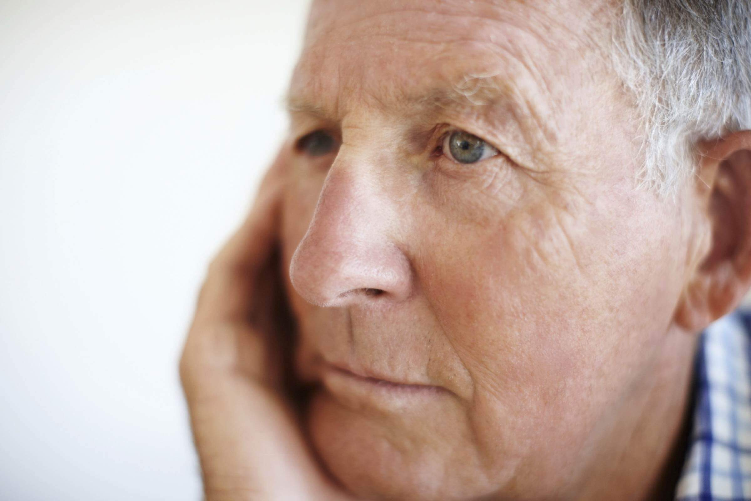 Silent Thyroid Symptoms To Watch Out For Readers Digest