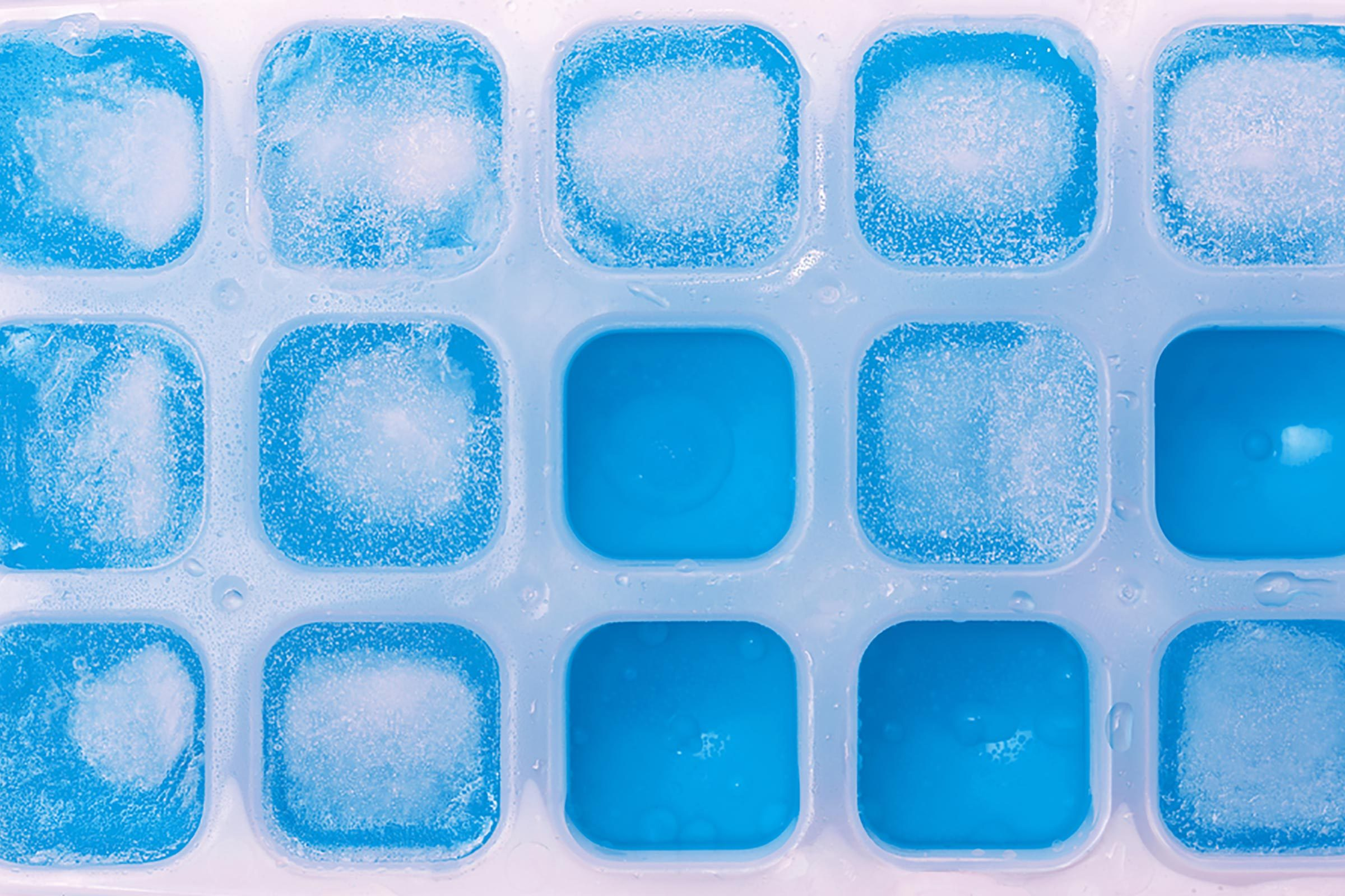 White vinegar uses ice trays