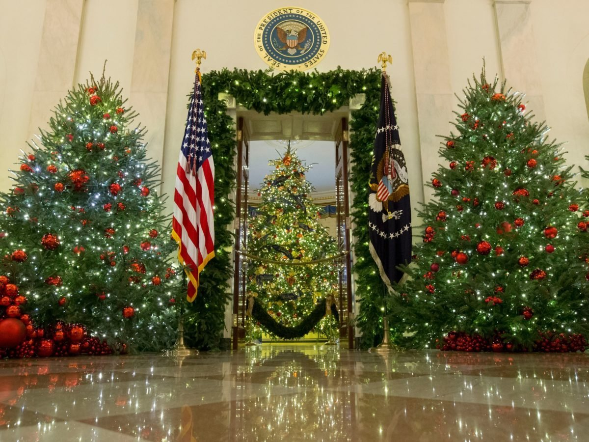 The Strange-But-True Stories Behind 6 White House Ornaments