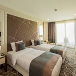 10 Ways Hotels Use Promo Photos to Fake You Out