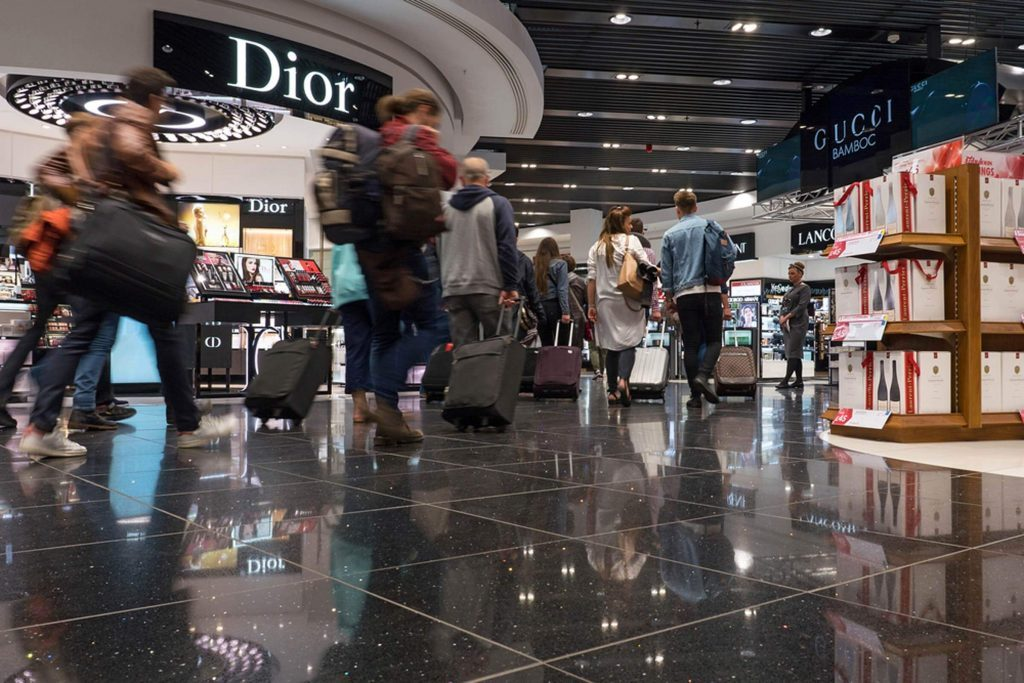 The-Sneaky-Way-Airports-Trick-You-Into-Spending-More-Money_301045157_EDITORIAL_pio3