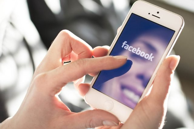 This-Is-Why-You-Should-Never,-Ever-Link-Your-Phone-Number-to-Your-Facebook-Account_173594528_Twin-Design