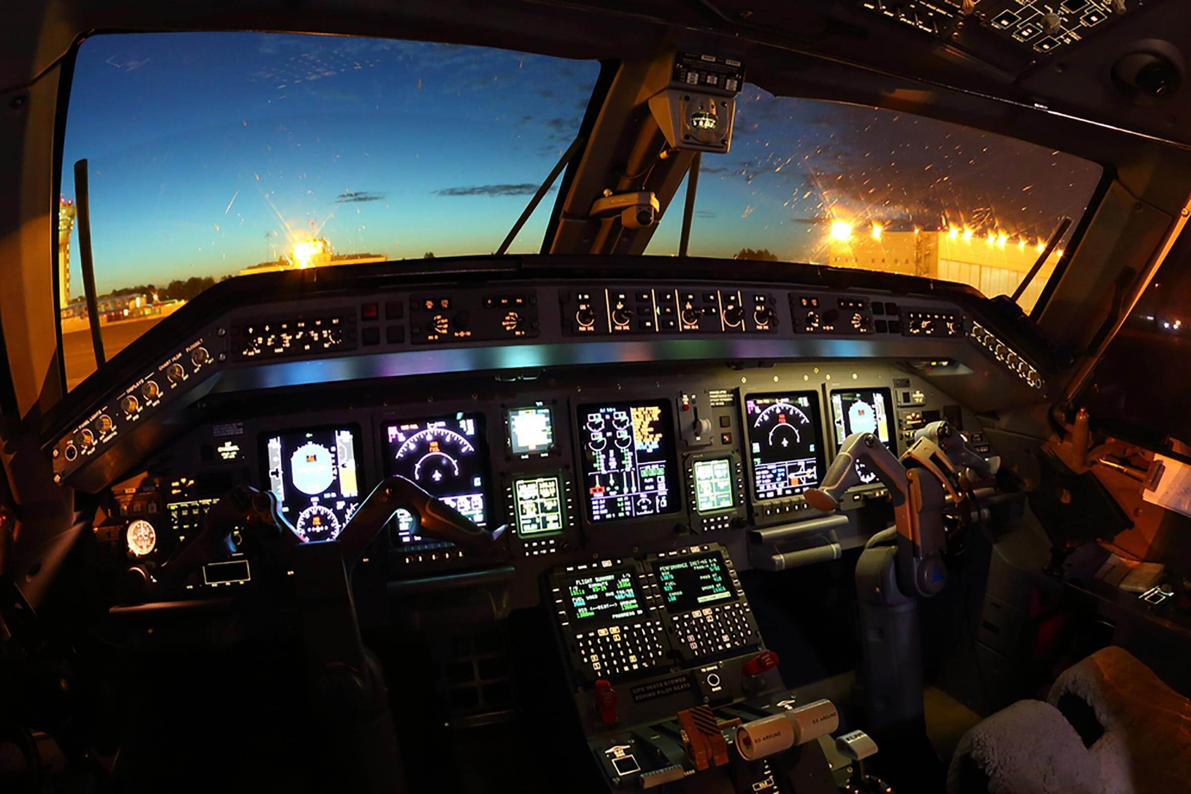 This Is How Autopilot Actually Works On An Airplane