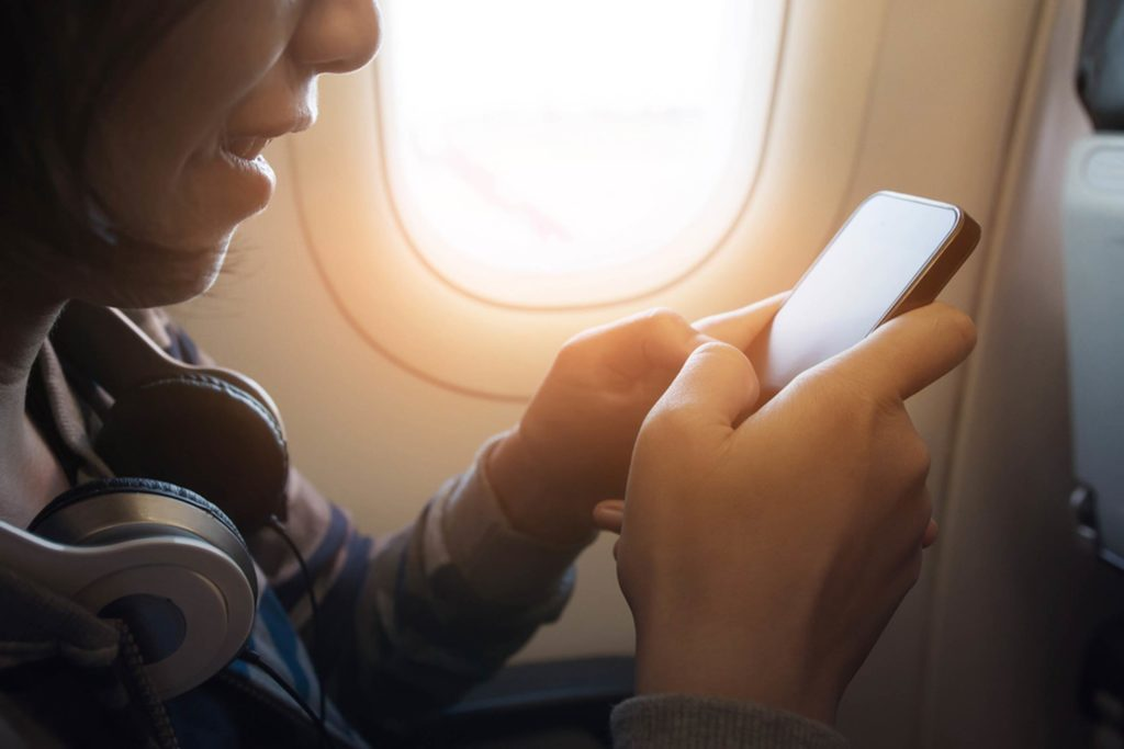 Attention,-Travelers--This-Is-One-of-the-World's-Top-Airlines-for-In-Flight-Wi-Fi_520975231_eggeegg