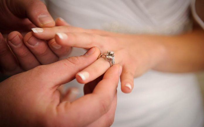 this-is-why-we-wear-wedding-rings-on-our-fourth-finger-89347702-Karen-Grigoryan-ft