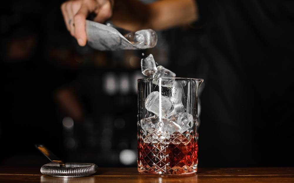via0.com - Why You Should Not Get Ice at a Restaurant or Bar