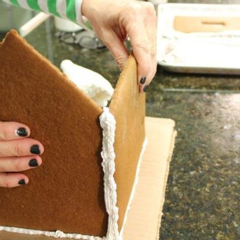 5 Easy Steps for Creating the Perfect Homemade Gingerbread House