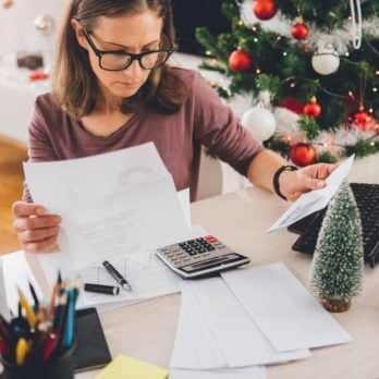 7 Reasons the Holidays Give You Anxiety—and How to Cope