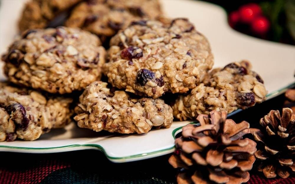 02-oatmeal-christmas-cookie-recipes-ft