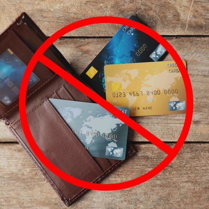 4 Times You Should Never Open a Store Credit Card—And 3 Times You Should