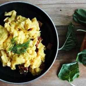 The-Surprising-Ingredient-You-Probably-Don't-Add-to-Your-Eggs-(But-Totally-Should!)_259337678_Piyato-ft