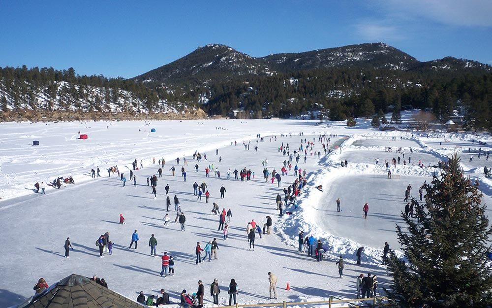 8 Beautiful Natural Ice Skating Rinks Around the World