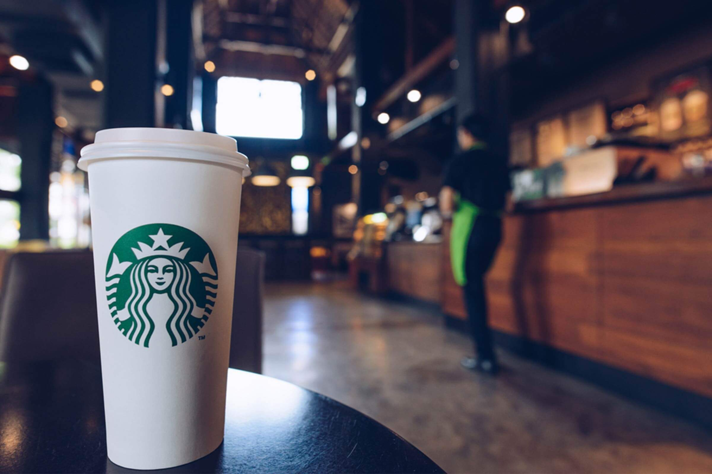 why starbucks venti lattes don't have more caffeine | reader's digest