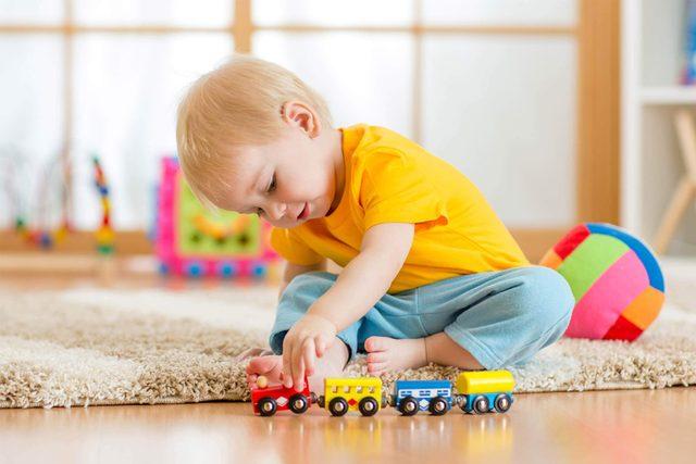 read-this-before-you-buy-another-kids-toy-245686072-Oksana-Kuzmina