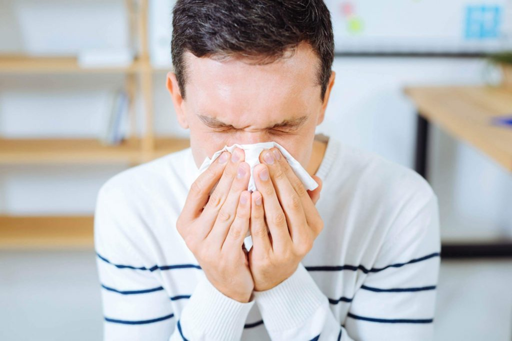 the-man-flu-might-really-exist-according-to-this-doctor-718683850-Dmytro-Zinkevych