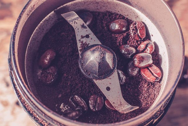 this-is-the-only-way-you-should-be-cleaning-your-coffee-grinder-176659679-Lolostock