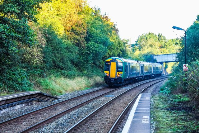 this-is-why-the-uk-runs-empty-ghost-trains-every-day-EDITORIAL-544269700-Claudio-Divizia