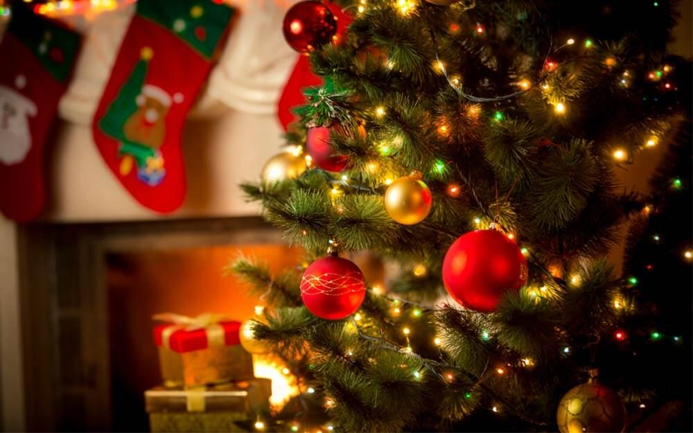 how to hang christmas tree lights vertically readers digest