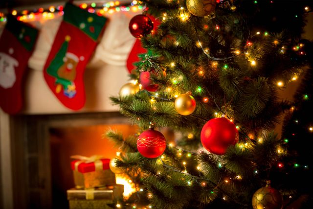 youve-been-hanging-christmas-tree-lights-all-wrong-329622008-kryzhov