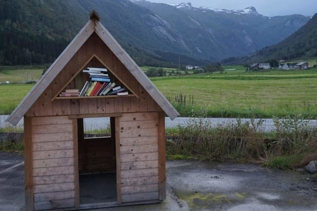 02-shed-this-small-norwegian-town-turns-abandoned-buildings-into-bookstores-courtesty-andrea-finazzi-instagram-andrefinaz