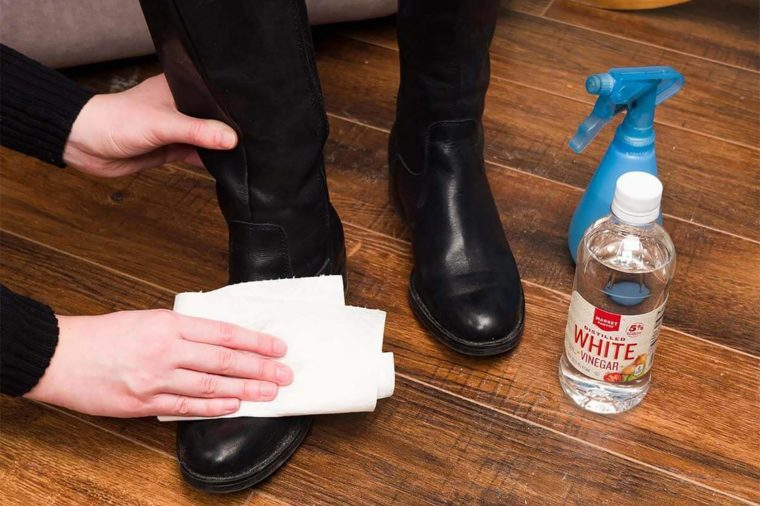 How-to-Get-Rid-of-Salt-Residue-on-Shoes