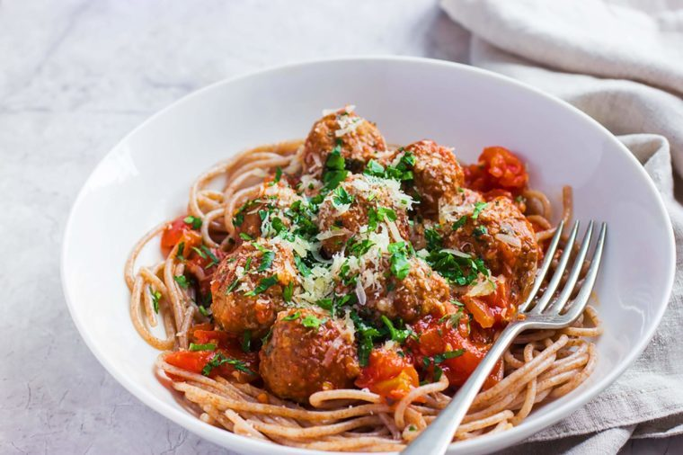 Heart healthy meals from cardiologists readers digest whole wheat spaghetti with marinara and turkey meatballs forumfinder Choice Image