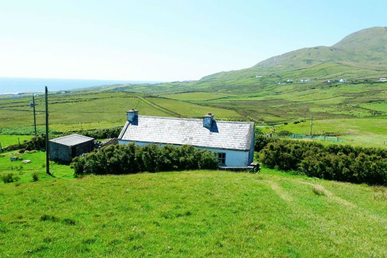 The-Views-That-Will-Make-You-Want-To-Hike-Western-Ireland