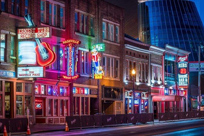 Nashville, Tennessee bars at night
