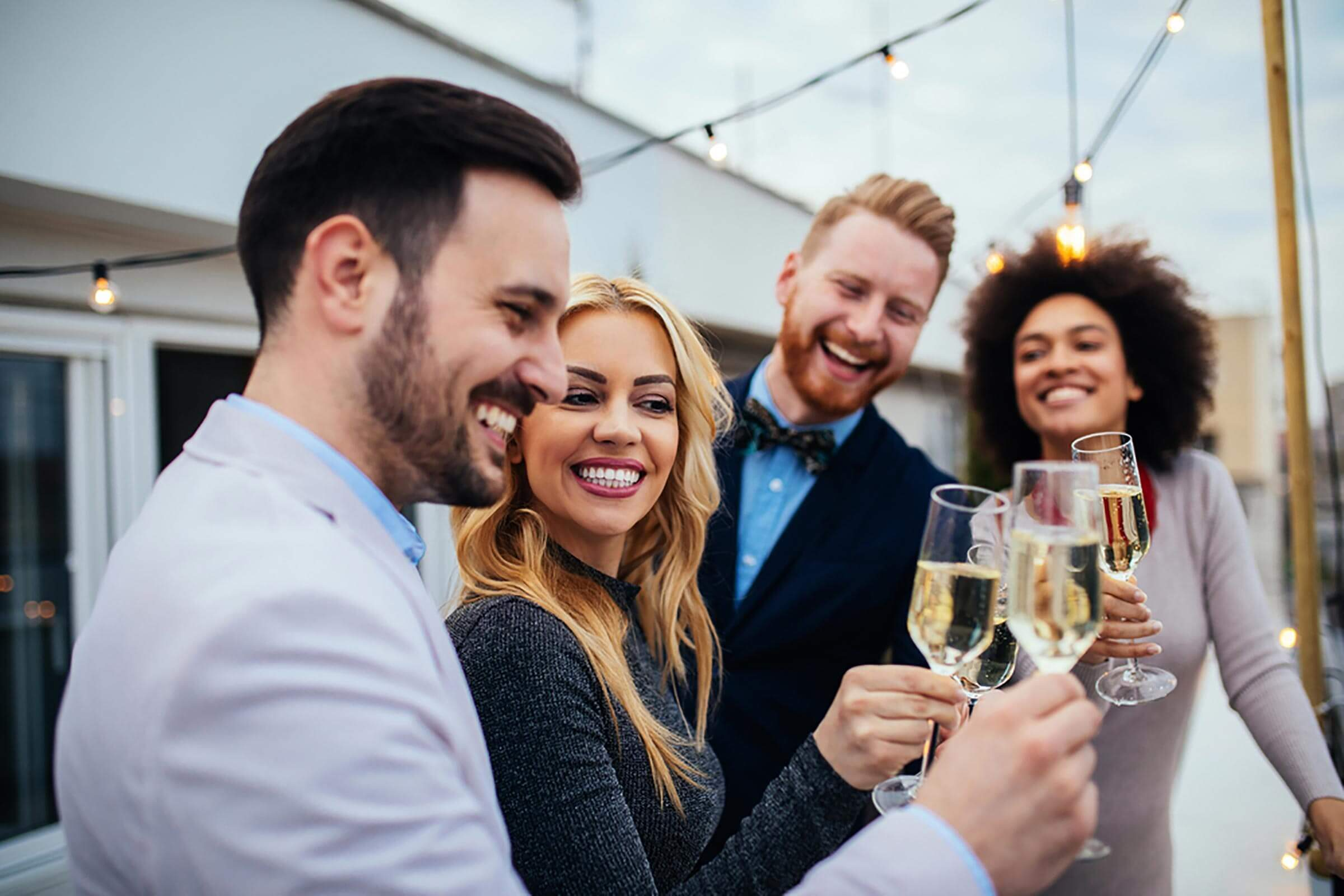 friends-celebrating
