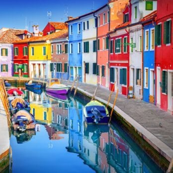11 Gorgeous Photos of the Most Colorful Towns in the World