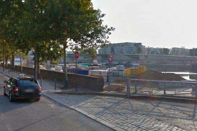 stop sign paris